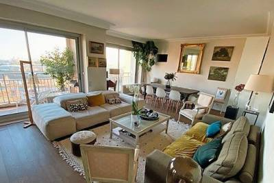 - 8 rooms - 164 m²