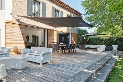 - 6 rooms - 269 m²