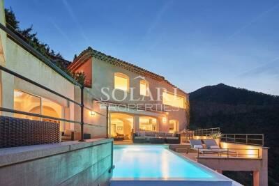 - 8 rooms - 320 m²