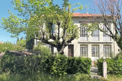 - 6 rooms - 170 m²