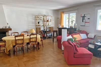 - 5 rooms - 149 m²