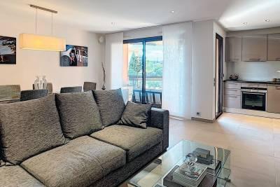 - 2 rooms - 54 m²
