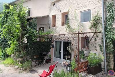 - 3 rooms - 60 m²