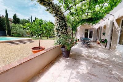 - 5 rooms - 110 m²