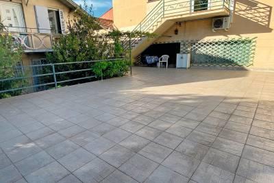 - 4 rooms - 149 m²