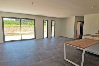 - 5 rooms - 143 m²