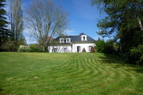 ST UZE - Annonce Maison à vendre10 pièces - 340 m²