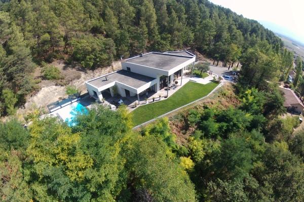 GENISSIEUX - Annonce Maison à vendre12 pièces - 400 m²