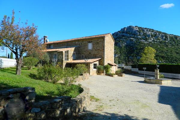 LES VANS - Annonce Maison à vendre10 pièces - 450 m²
