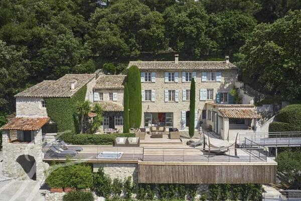 LA COLLE-SUR-LOUP - Annonce Maison à louer6 pièces - 285 m²
