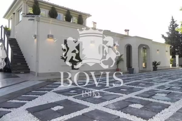 GATTIÈRES - Advertisement House for sale11 rooms - 362 m²