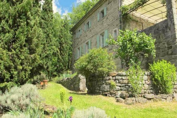 LES VANS - Annonce Maison à vendre8 pièces - 190 m²
