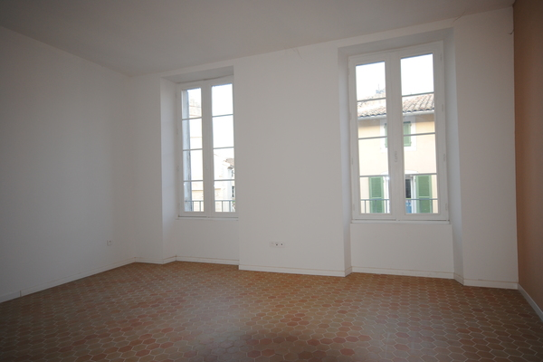 L'ISLE-SUR-LA-SORGUE - Advertisement Apartment for sale Studio - 30 m²