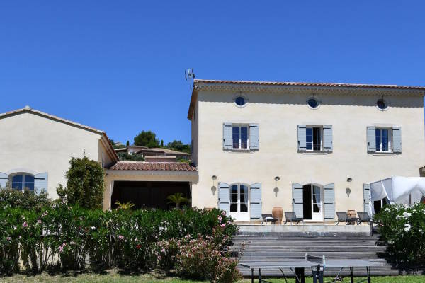 PERNES-LES-FONTAINES - Annonce Maison à vendre12 pièces - 450 m²