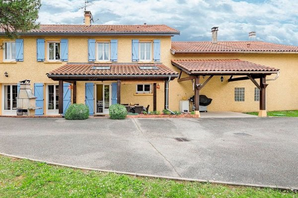 MONTHIEUX - Annonce Maison à vendre7 pièces - 300 m²