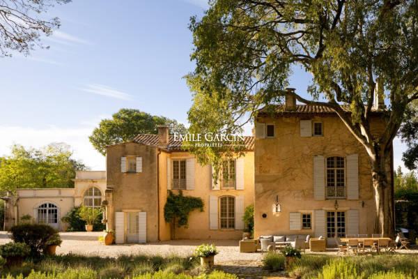 ST-ÉTIENNE-DU-GRÈS - Annonce Maison à louer9 pièces - 700 m²