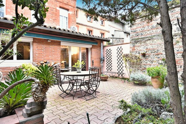 TOULOUSE - Advertisement House for sale8 rooms - 270 m²