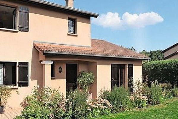 Vente maison villa 5 pi ces 115 m st genis les ollieres for Garage mure st genis les ollieres