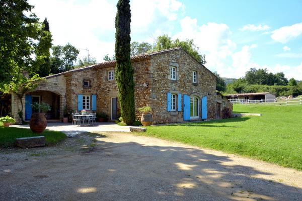 Maison à vendre à CHARMES SUR RHÔNE  - 7 pièces - 260 m²