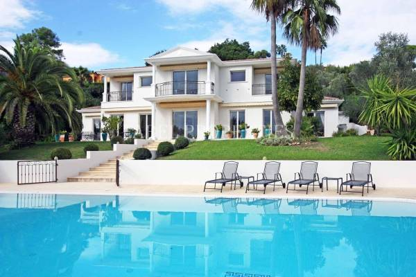 MOUGINS - Advertisement House for sale6 rooms - 350 m²