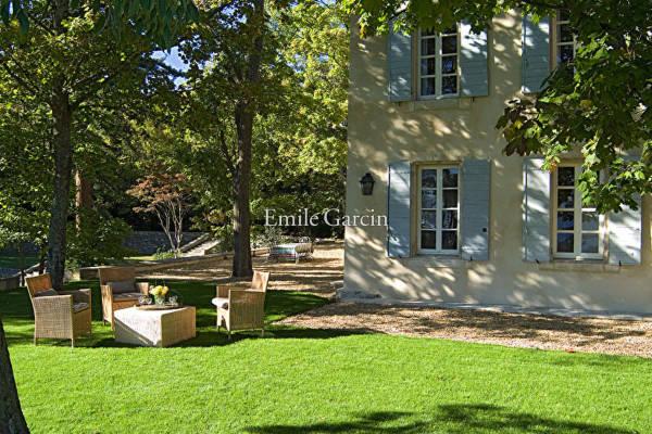 SAUMANE-DE-VAUCLUSE - Annonce Maison à louer11 pièces - 400 m²