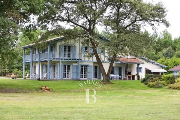 GAREIN - Annonce Maison à vendre9 pièces - 317 m²