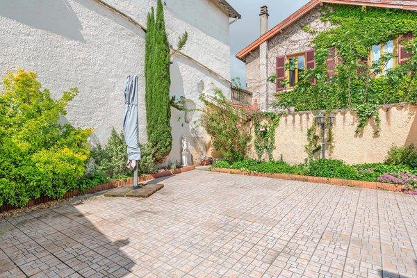 MIRIBEL - Annonce Maison à vendre8 pièces - 180 m²