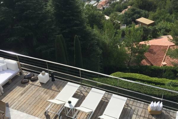 EZE - Annonce Maison à louer6 pièces - 1300 m²