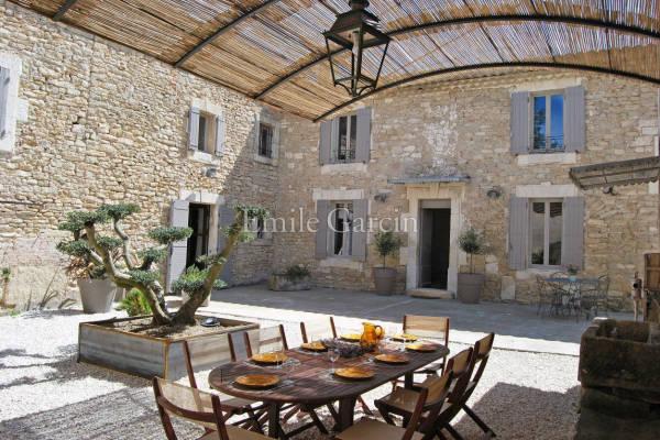 MÉNERBES - Annonce Maison à louer6 pièces - 200 m²