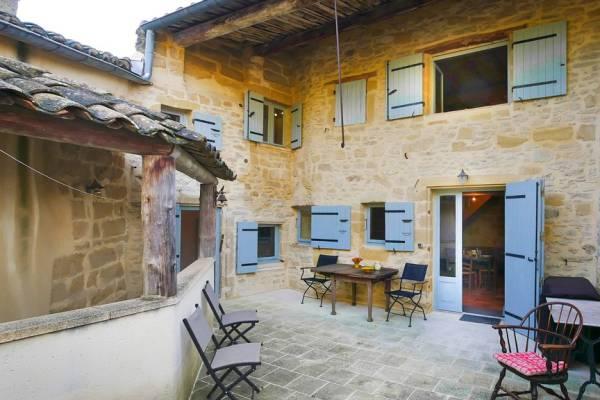 UZÈS - Annonce Maison à vendre10 pièces - 216 m²