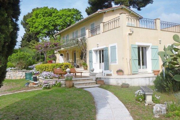 ANTIBES - Annonce Maison à vendre7 pièces - 300 m²