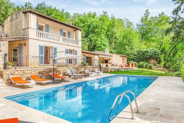 TOURRETTES-SUR-LOUP - Annonce Maison à vendre5 pièces - 210 m²