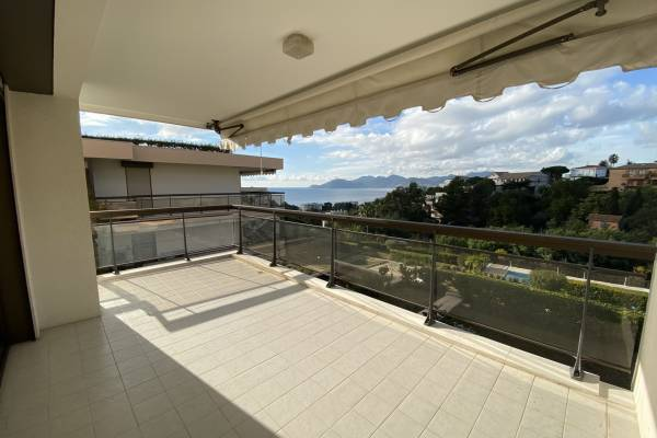 CANNES - Advertisement Apartment for sale3 rooms - 127 m²