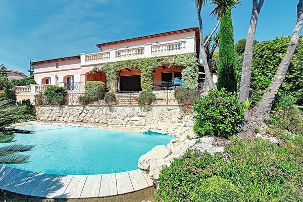 VENCE - Advertisement House for sale7 rooms - 220 m²