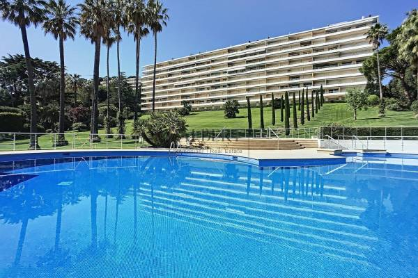 CANNES - Advertisement Apartment for sale4 rooms - 105 m²