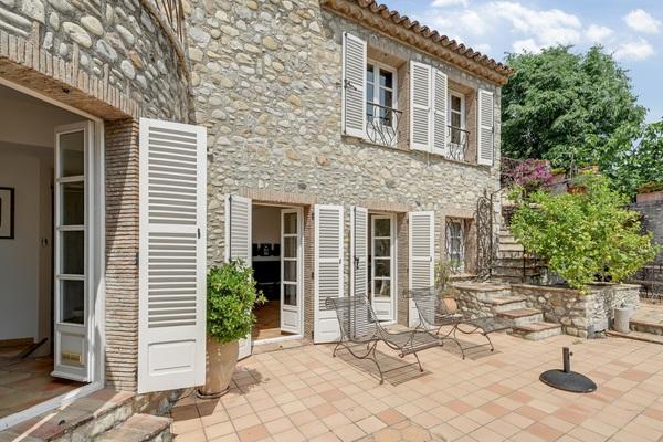 CAGNES-SUR-MER - Annonce Maison à vendre7 pièces - 177 m²