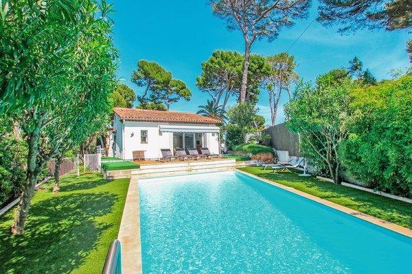 CAP D'ANTIBES - Annonce Maison à vendre5 pièces - 215 m²