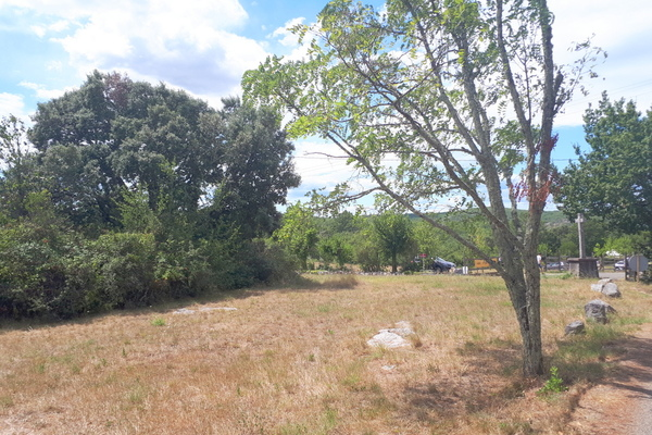 RUOMS - Annonce terrain à vendre1290 m²