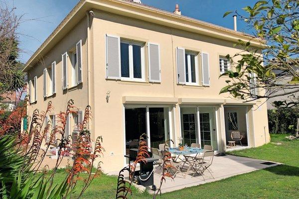 CAP D'ANTIBES - Annonce Maison à vendre6 pièces - 240 m²