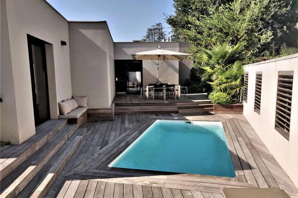 VILLENEUVE-LÈS-AVIGNONS - Annonce Maison à vendre7 pièces - 200 m²