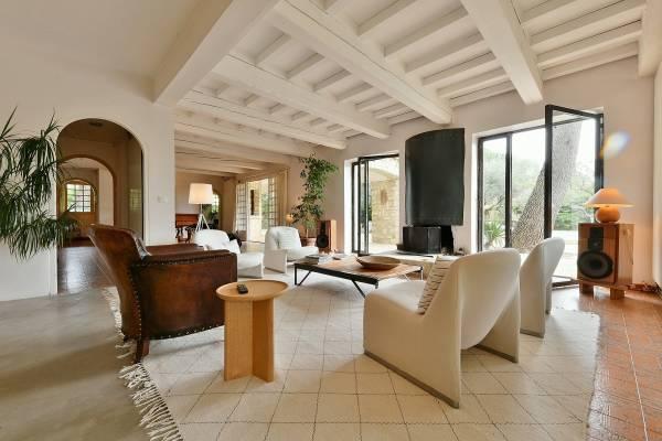UZÈS - Annonce Maison à vendre9 pièces - 380 m²