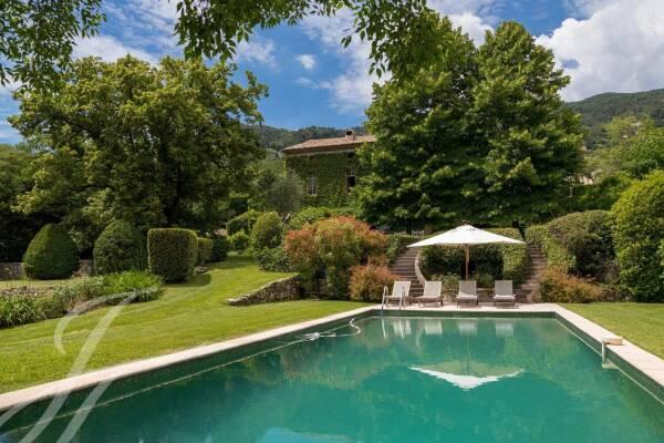 GRASSE - Annonce Maison à vendre10 pièces - 480 m²