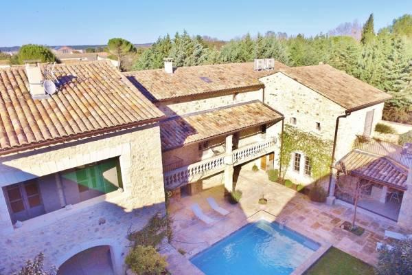 UZÈS - Annonce Maison à vendre10 pièces - 395 m²