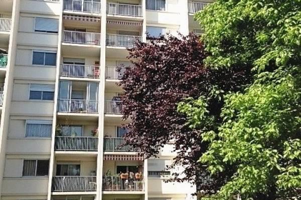 VILLEURBANNE - Advertisement apartment for sale