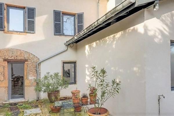 COLLONGES-AU-MONT-D'OR - Annonce Maison à vendre7 pièces - 200 m²