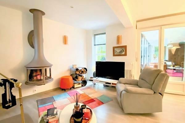 CHARBONNIÈRES-LES-BAINS - Annonce Maison à vendre4 pièces - 136 m²