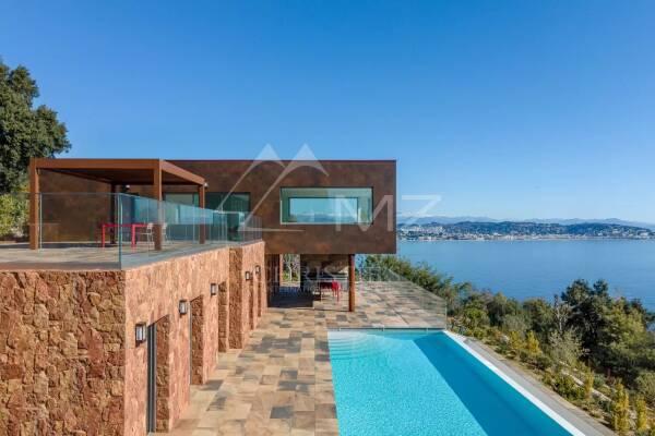 THÉOULE-SUR-MER - Advertisement House for sale350 m²