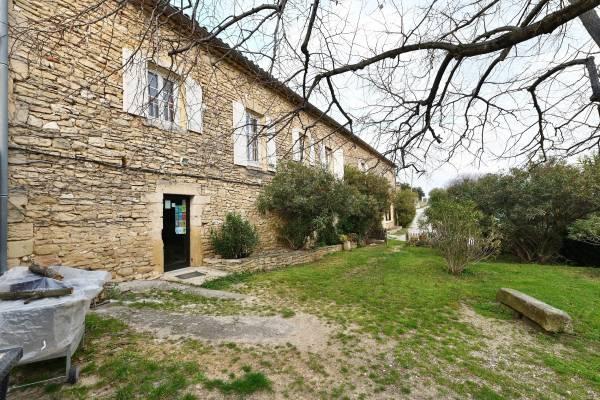UZÈS - Annonce Maison à vendre12 pièces - 375 m²