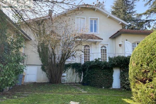 CHARBONNIÈRES-LES-BAINS - Annonce Maison à vendre8 pièces - 189 m²