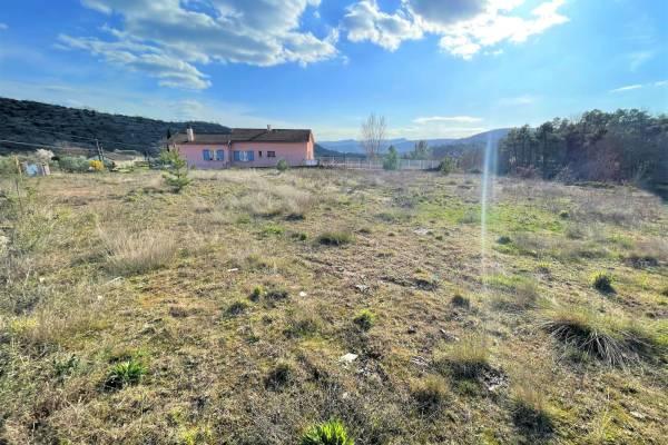 LES VANS - Annonce terrain à vendre1400 m²
